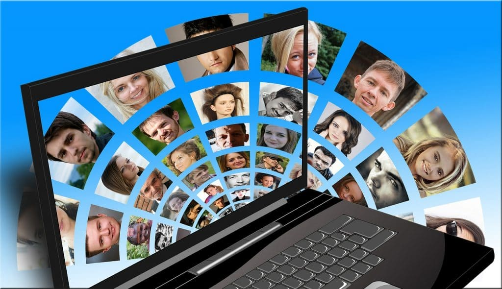 Las opiniones en redes sociales están cargadas de emociones
